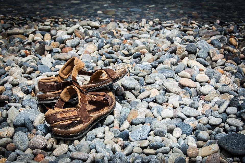 sandals-462870_960_720